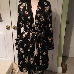 Zara Floral robe style kimono